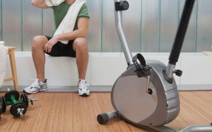 Fitnessraum zuhause günstig einrichten
